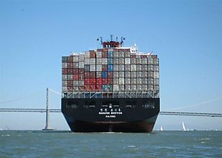 800px-ShippingContainerSFBay wiki