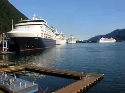 Cruise_ships_in_juneau
